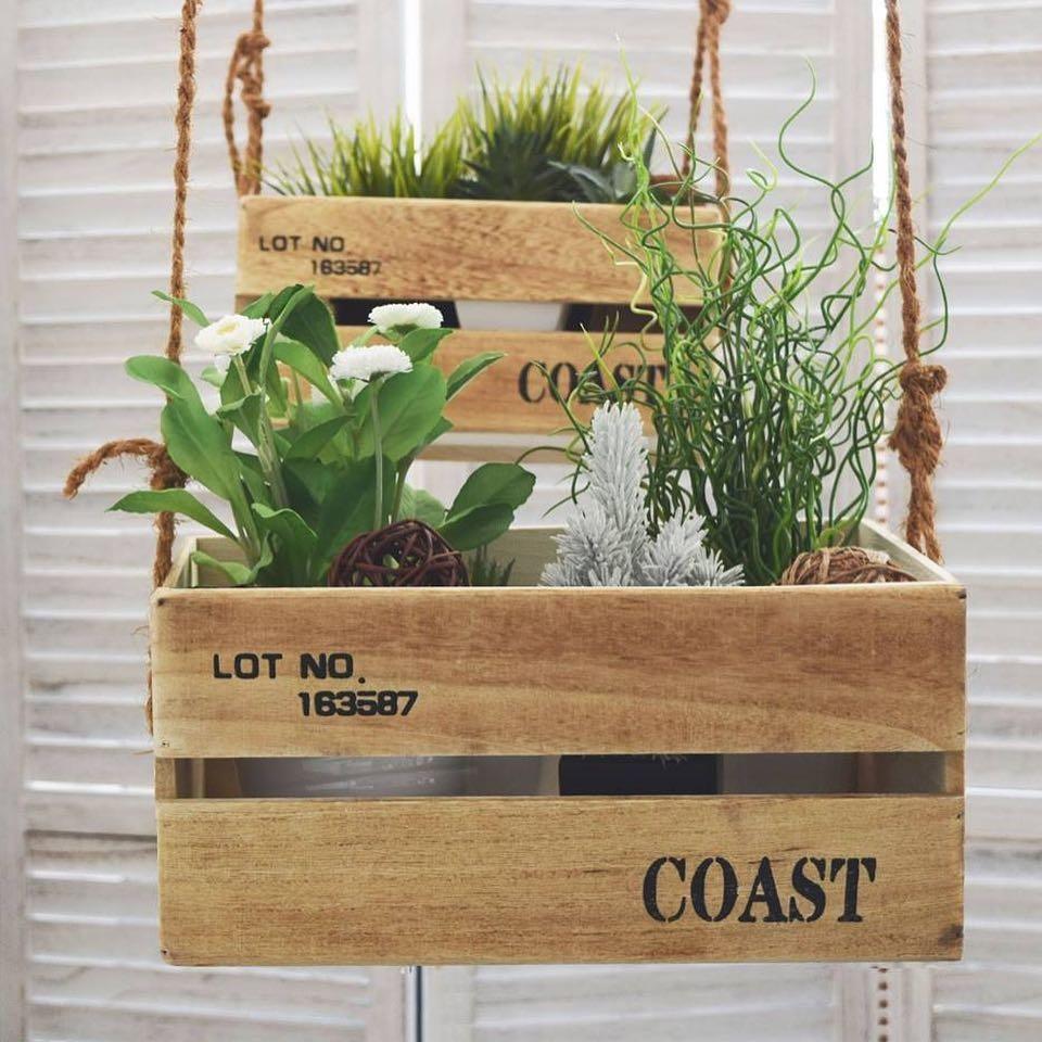 Découpage e fioriere con le cassette di legno