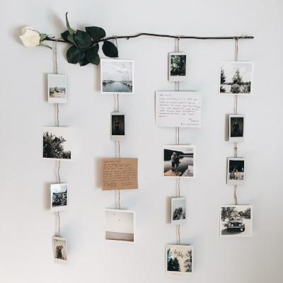 Decorare una parete con le foto per San Valentino