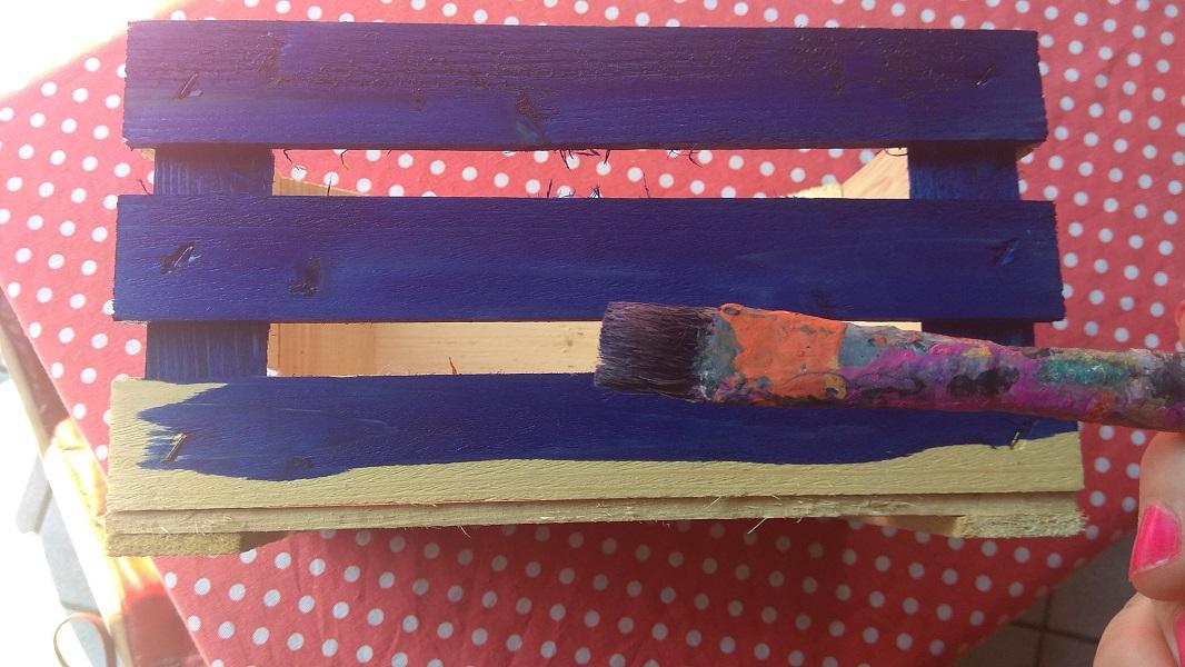 Decorare le cassette in legno - la verniciatura