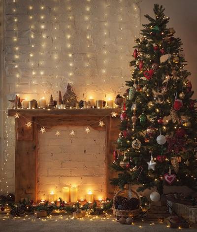 Decorazioni Natalizie Per Il Camino.Come Decorare Il Camino A Natale Le Nostre Ispirazioni Rebecca Mobili