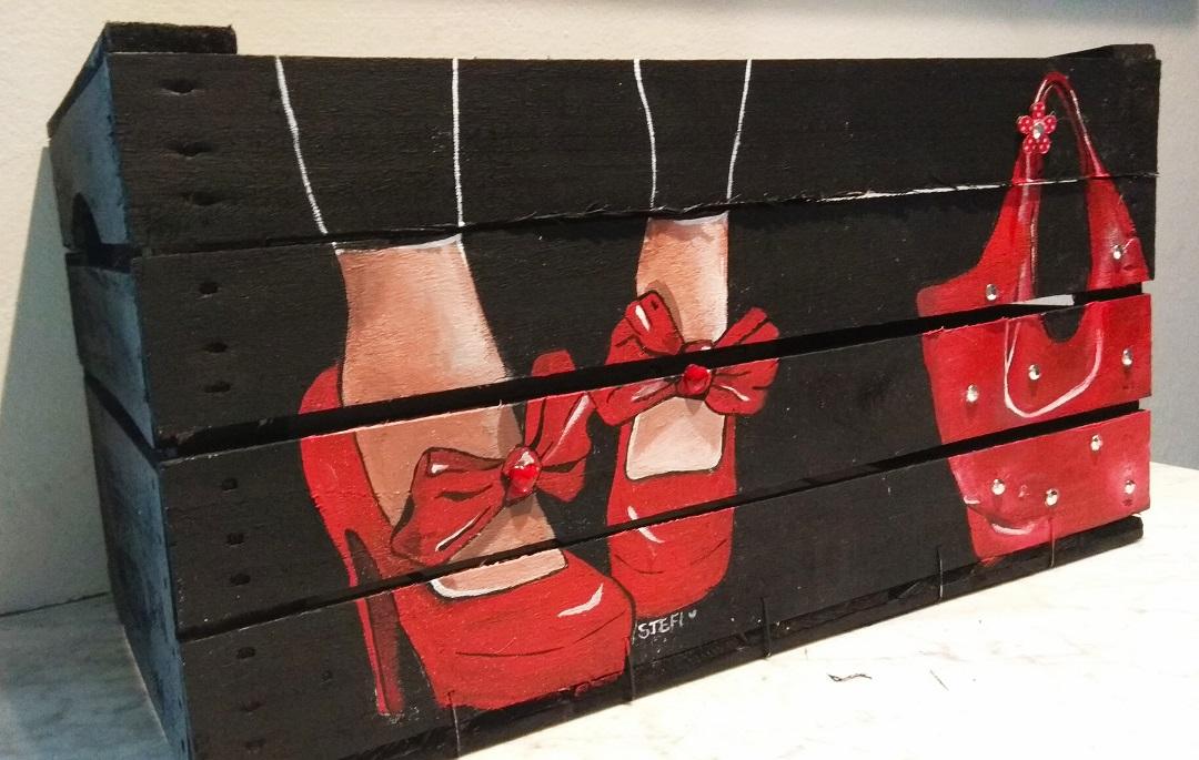 Come dipingere una cassetta in legno