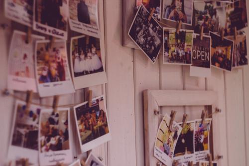 Esporre foto in casa con il fai-da-te
