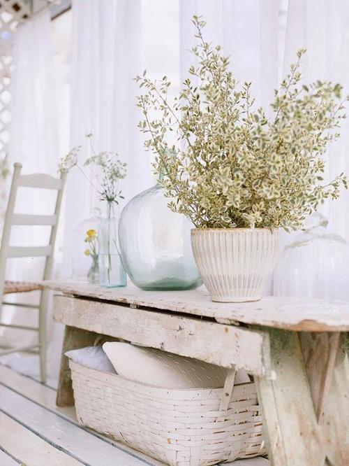 Arredamento provenzale - mobili in legno vissuto e anticato