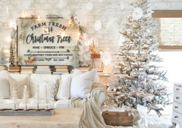 Shabby Chic Christmas: how to decorate your home for Christmas in white & taupe