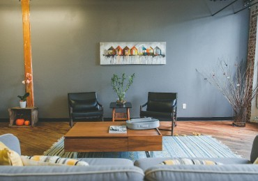 Furnishing your home on a budget: 8 low cost and intelligent ideas